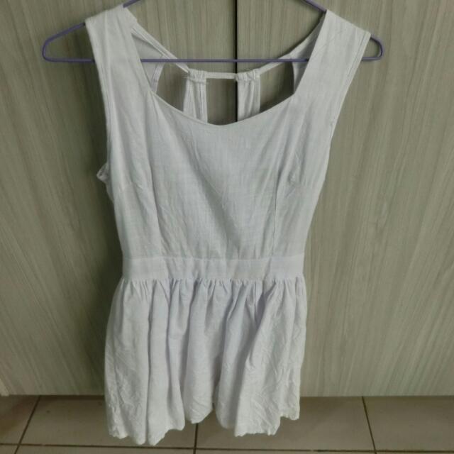 白色心機洋裝