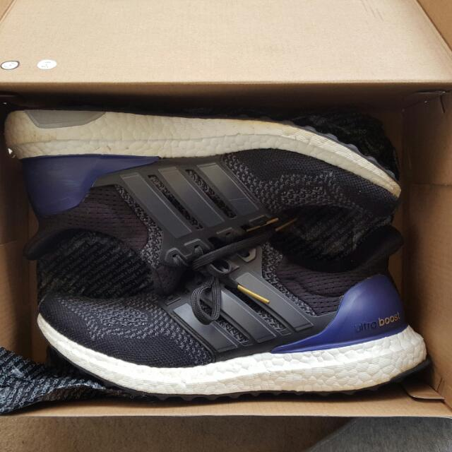 ADIDAS ULTRA BOOST OG SIZE 8.5 WOMENS, 7.5 MENS