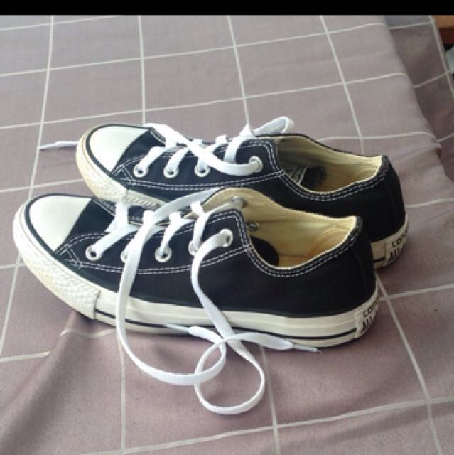 Black And White Converse Size 6