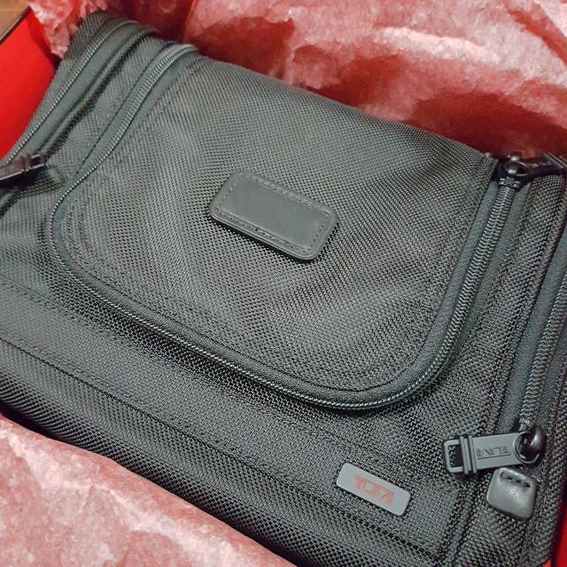 Brand New!  TUMI Alpha 2 Hanging Travel Kit  Toiletries Bag (Black ... 19acc5812a5a1