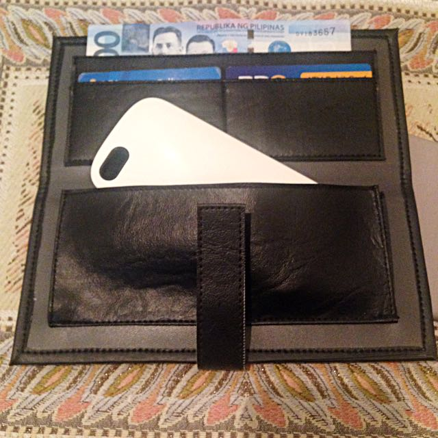 Eye Know Right Wallet