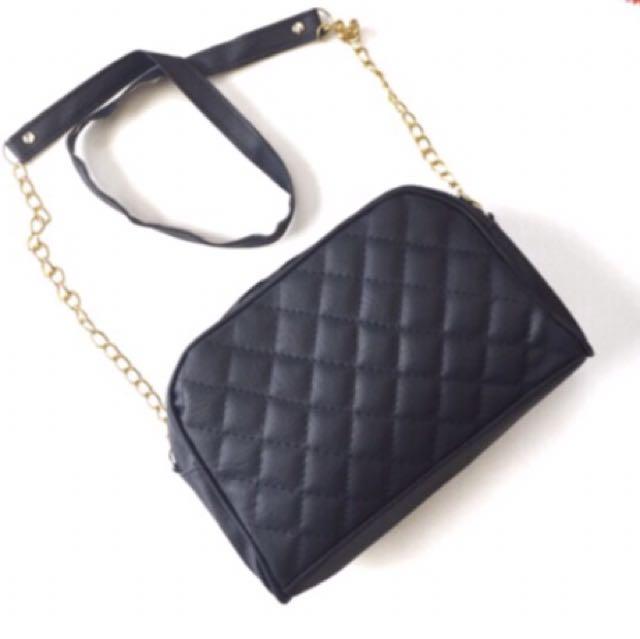 New‼️ Slingbag Black