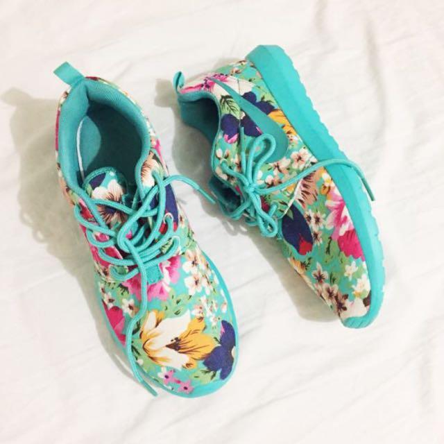 Nike Floral Roshe Runs (Turquoise)