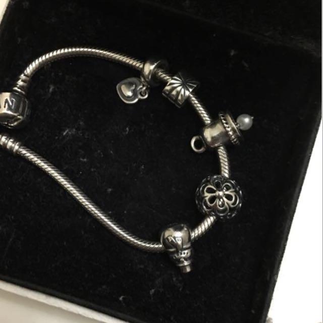 Preloved AUTHENTIC Pandora Charm And Bracelet