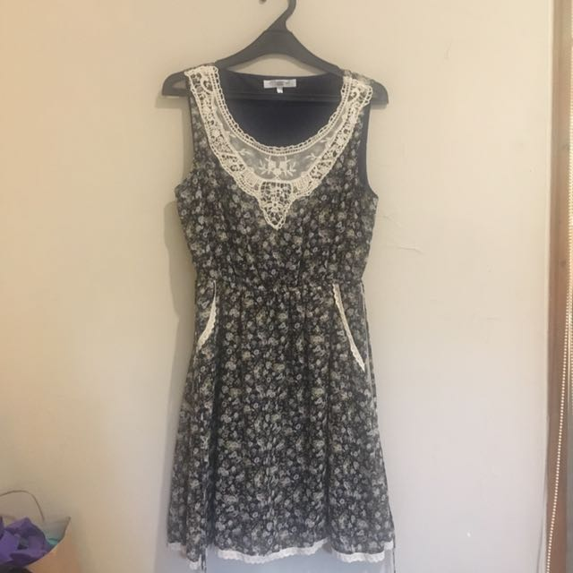 (Preloved) New Look Flower Pattern Dress
