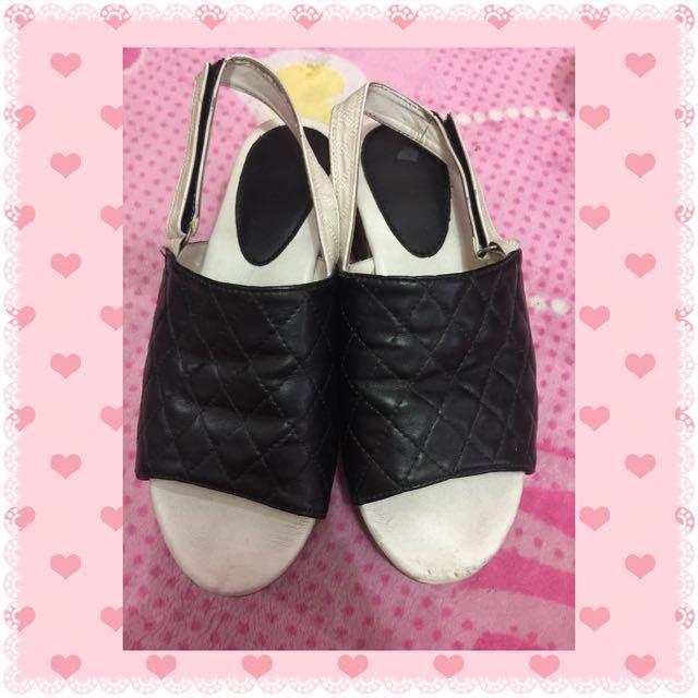 Sandal The Sandals