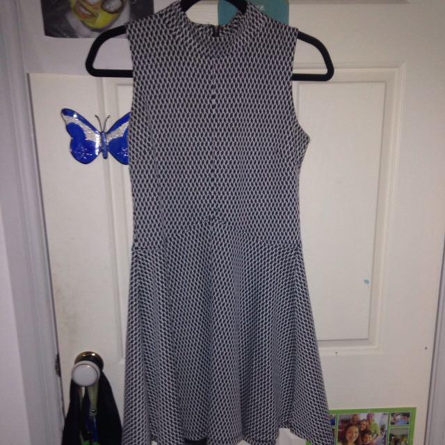 Short (black and white) patterned dress