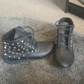 ROXY-FLAT Studded Ankle Boots.