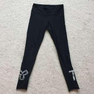 tna reflective logo leggings