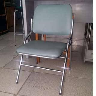Foldable Chair, leatherette/steel- Japan's Surplus Office Furniture