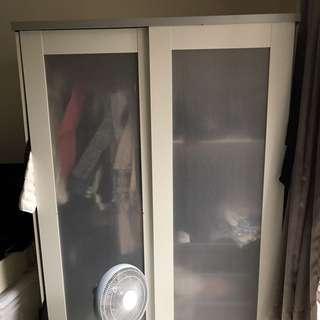 Ikea二手衣櫥