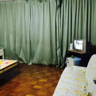Room for rent in chinatown