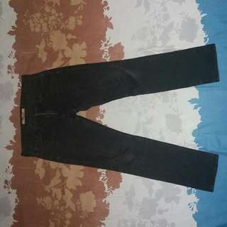 Jeans Uniqlo T-000 Skinny Fit tapered