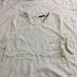 Chicabooti Off White Lace Detail Top