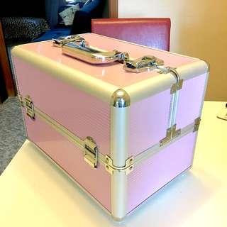 Makeup box / case