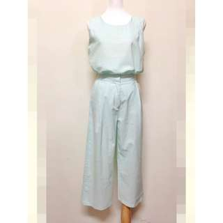 轉賣~KOREA春夏粉綠色棉麻套裝(無袖上衣+九分寬褲)