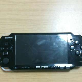 Psp Slim 2000 , Battery , Charger And Games ( Reserve )