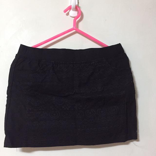 黑色蕾絲花紋合身褲裙