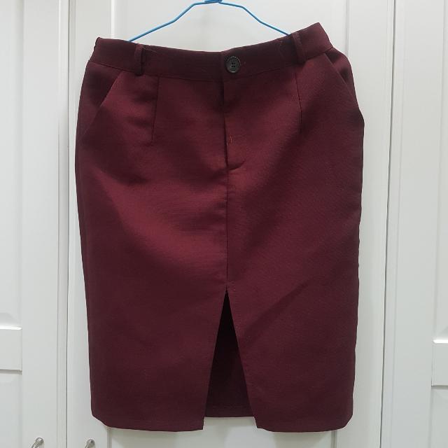 棗紅色前開叉窄裙