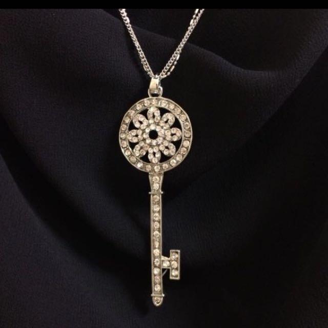🔒 鑲鑽鑰匙長項鍊🔒