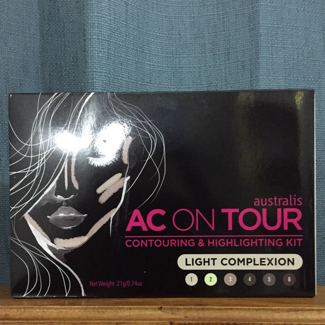Australis AC ON TOUR Highlight And Contour In Light