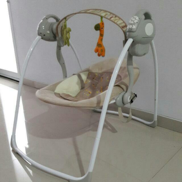 Ayunan Bayi / Babyelle Swing