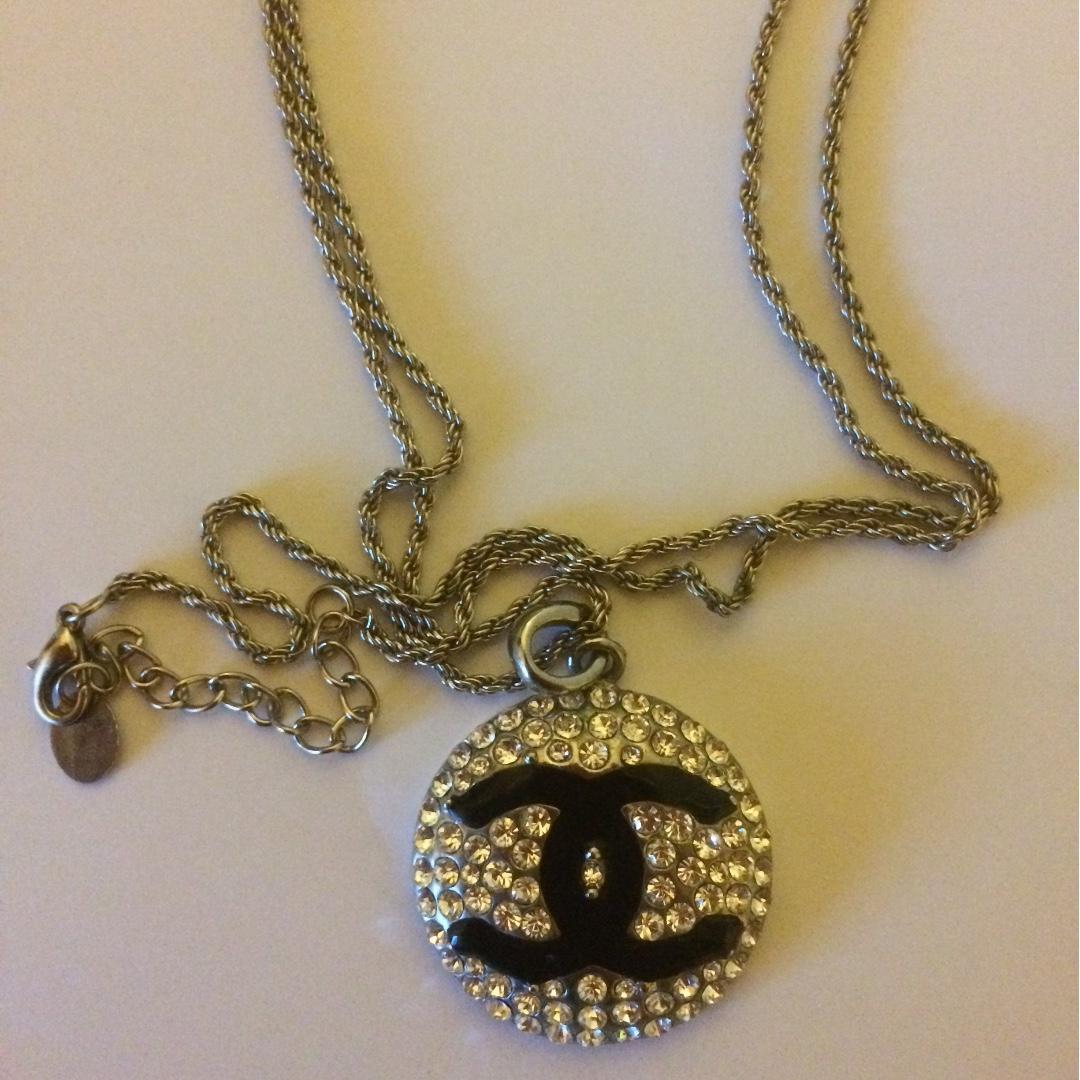 Channel Sterling silver& diamontee pendant