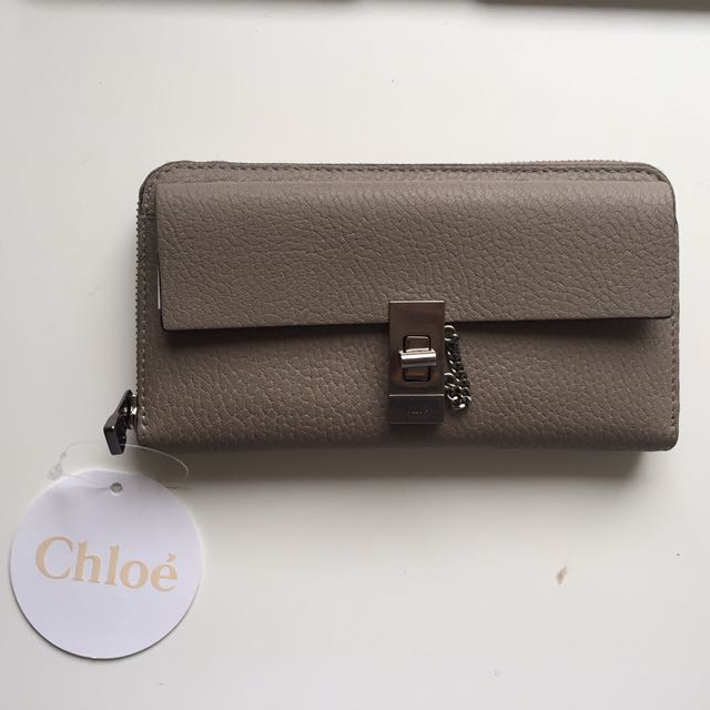 Chloe Drew Long Leather Zip Wallet In Motty Grey