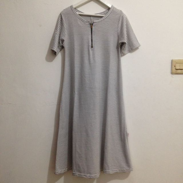 DRESS KAOS PUTIH(preloved)