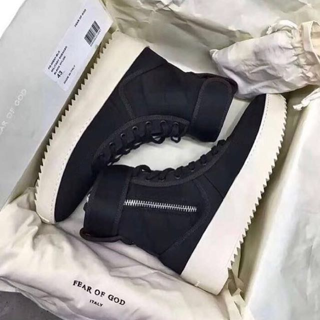 Fear Of God Sneaker