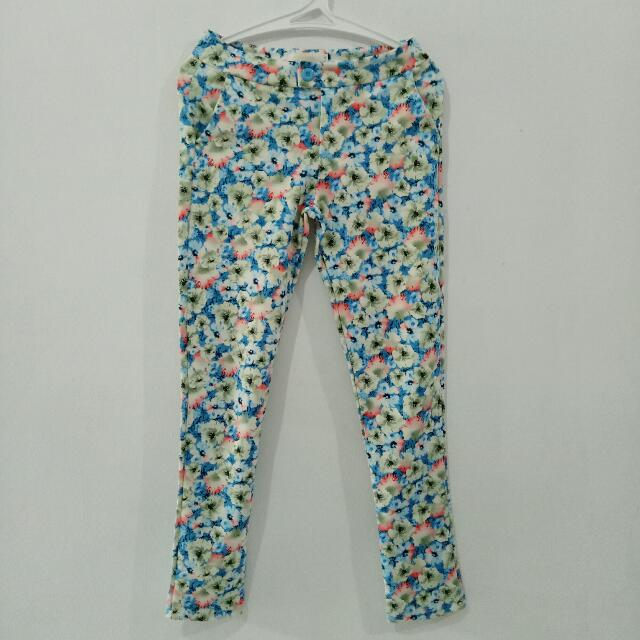 (REPRICED) Floral Pants (Celana Bunga) Biru Putih