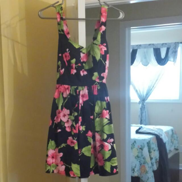Floral Short Dress Size Small