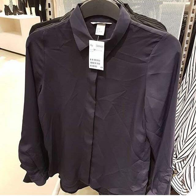 H&M Longsleeved Satin Blouse