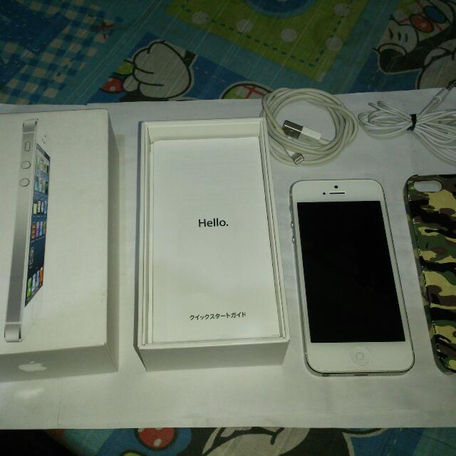 IPhone 5 64gb And V R Box/monopod