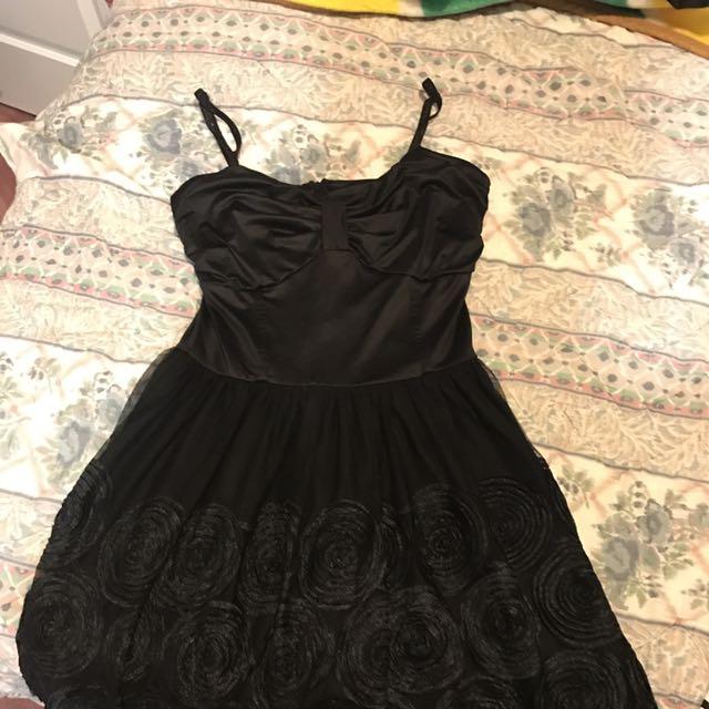 Lippy Dress Black
