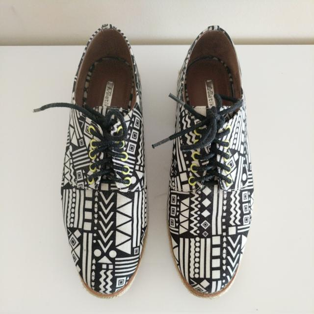 Matiko The Felix Hi Shoe in White and Black Tribal