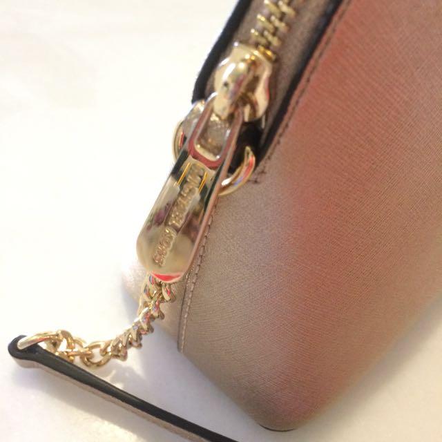 3d30fb0cd4ba Michael Kors Cindy Dome Sling Bag, Luxury, Bags & Wallets on Carousell