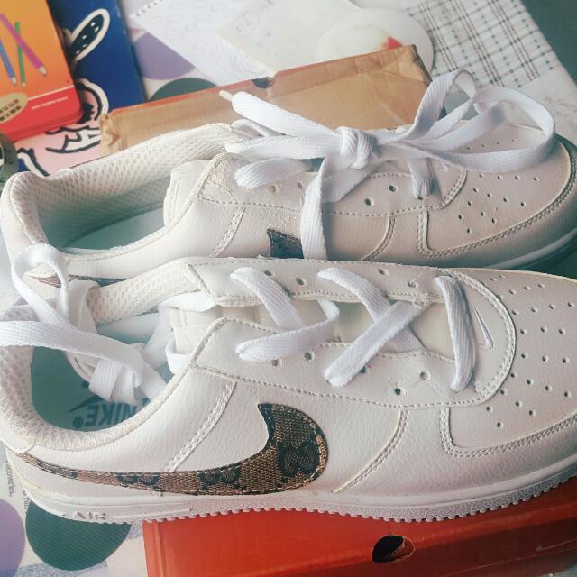 男生Nike運動鞋