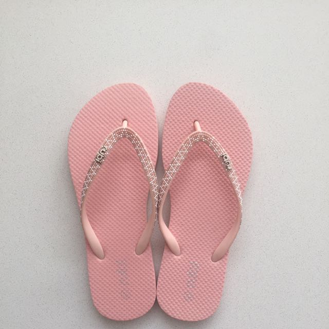 Pink Thongs / Flip Flops