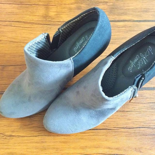 82546d4d783e Preloved boots dexflex comfort (payless) Size. 5 (36) kecil Sangat ...