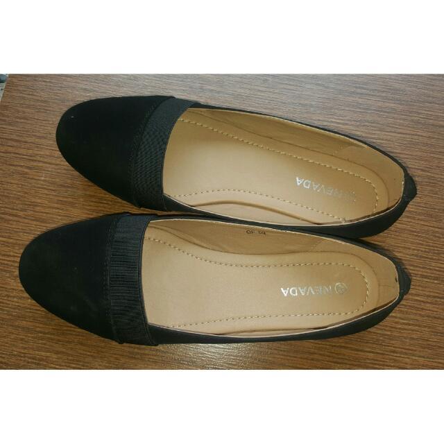 Sepatu Nevada Hitam Ukuran 40