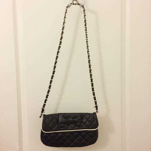 Shoulder Bag / Clutch (Quilted Faux Leather With Cute Bow)