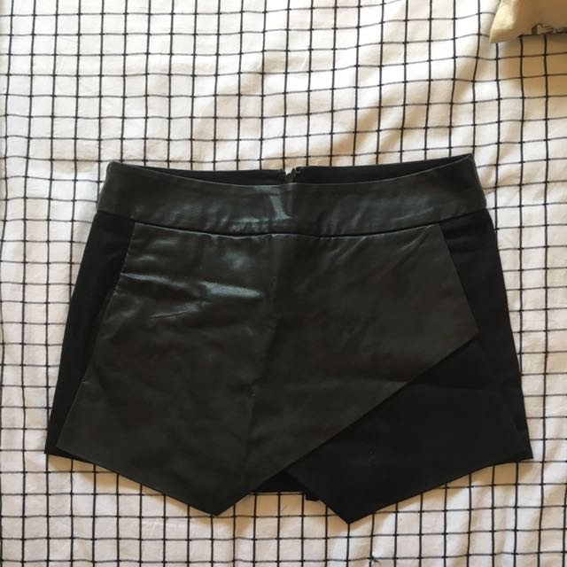 Sportsgirl Black Leather Shorts