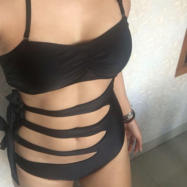 Swimwear / Bikini