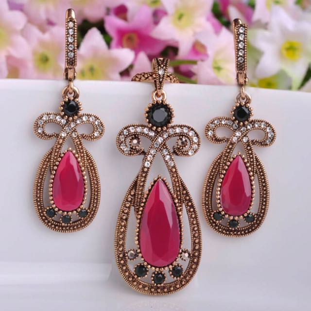 Vintage design Jewelry Set Red Acrylic Neclace Earings Turkish Water Drop