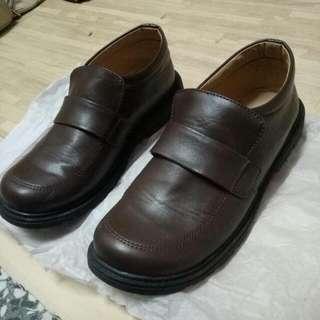 學園高校棕色平底制服鞋