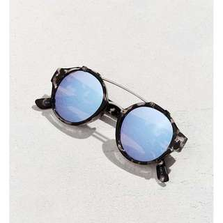 Quay Retro Sunglasses Sunnies It's A Sin