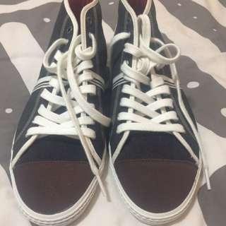 Lacoste Casual Footwear (US 9)