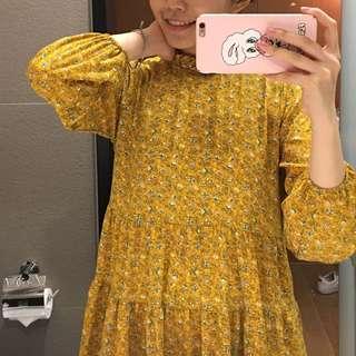 小碎花洋裝 今年最流行~ 搭最可愛的芥末黃