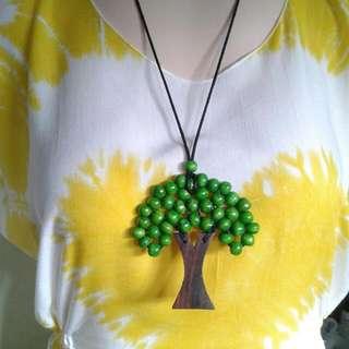 Kalung Pohon Hijau